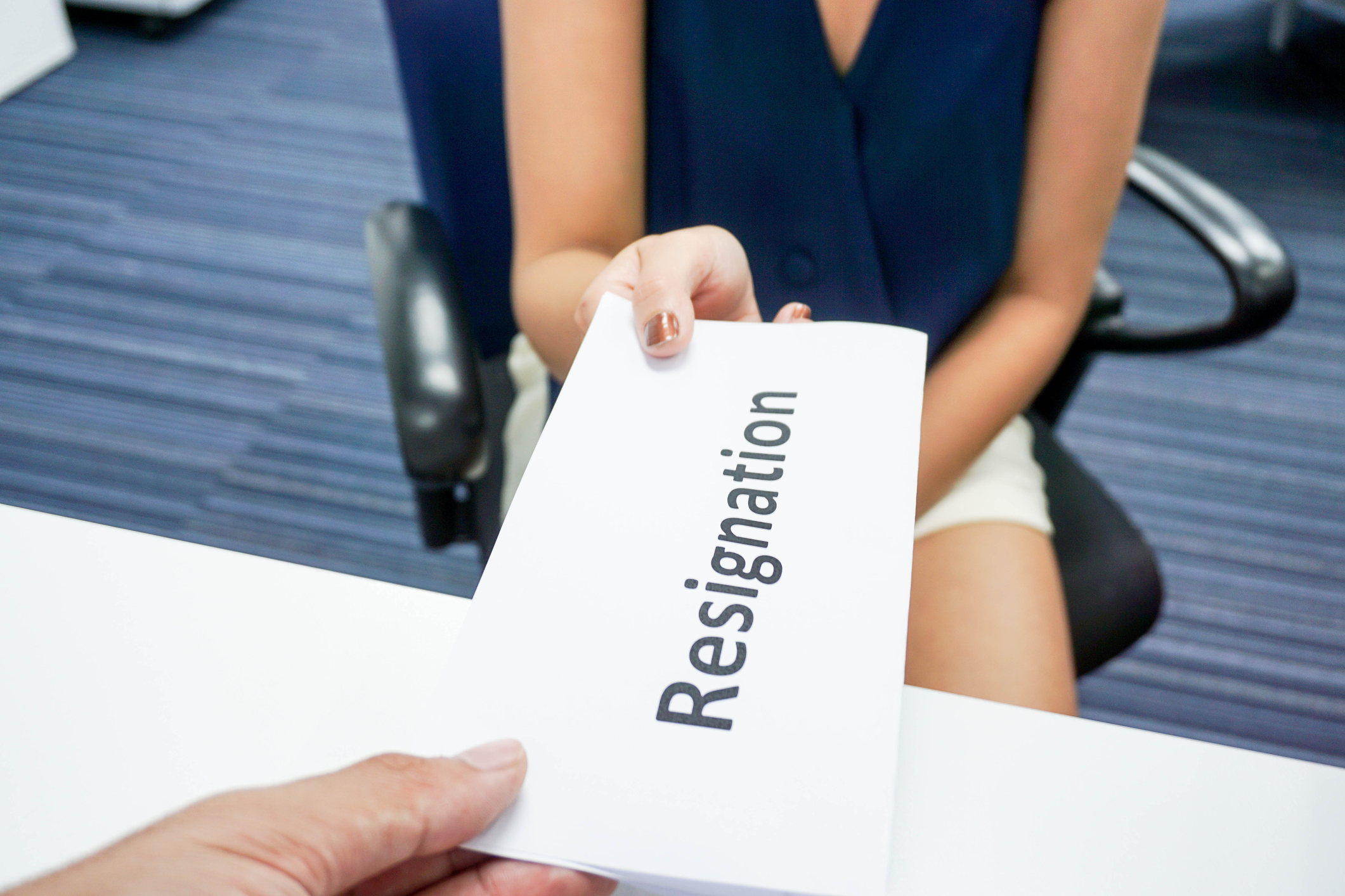 how to resign from a board of directors